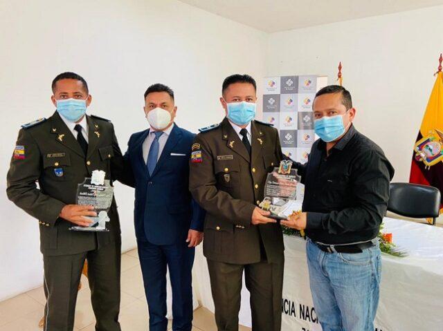 servidores policiales de la Jefatura de Tránsito de la provincia y al personal técnico y administrativo de la ANT.