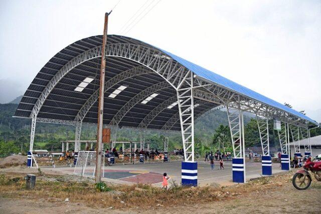 La cancha de uso múltiple de Nueva Esperanza, la misma que tiene una inversión de USD 75.864.54 sin IVA.
