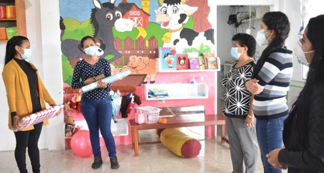86 kits de limpieza a diferentes familias de las comunidades
