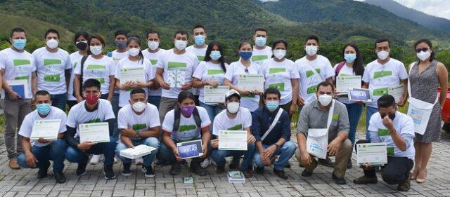 La campaña de sensibilización que duró alrededor de 1 mes, participaron 22 personas de Zamora y Yacuambi, entre ellos los viveristas de Gestión Ambiental de la Prefectura.
