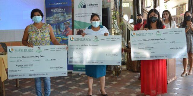 La iniciativa consistió en un concurso dirigido a las mujeres productoras de café que pertenecen a APEOSAE, con la finalidad de entregar un fondo semilla de $6.000 dólares